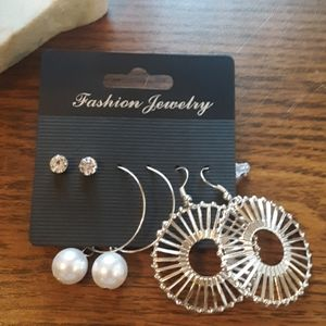 NWT SILVER AND FAKE PEARL 3 EARRINGS SET
